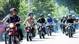 2-140719-trojanovice-sraz-historicky-motocykl_denik-320-16x9